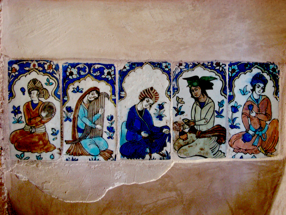 The-art-of-Persian-music-painting-tiling