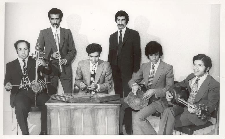 Noroddin Razavi Sarvestani (Singer), Ali Hadadian (Ney), Jalal Zolfonun (Tar), Naser Farhangfar (Tonbak), Majid Kiani (Santoor), Davoud Ganjei (Kamancheh)