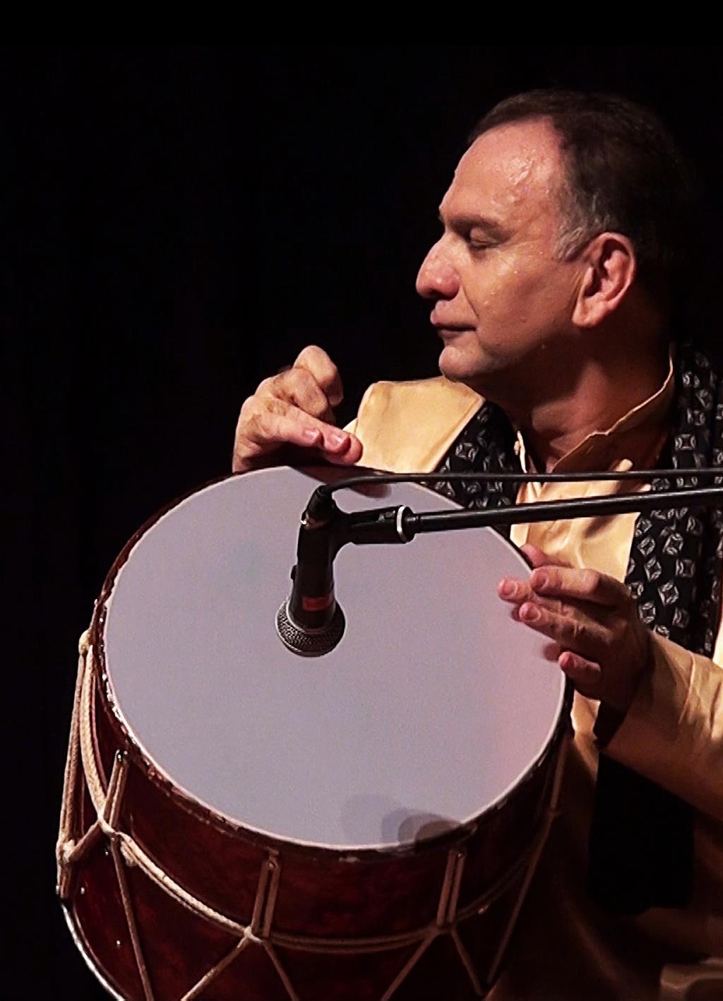 vahid-asadollahi-iranian-azeri-nagara-player